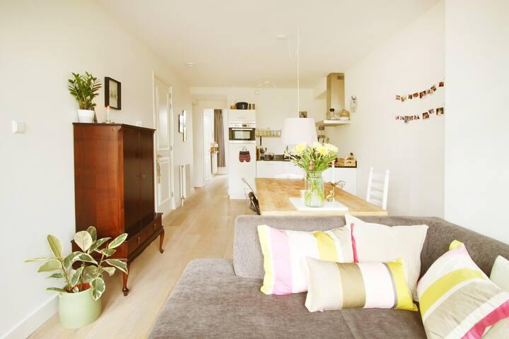 Lovely bright livingroom
