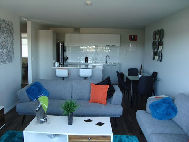 Trendy 2 brm Apt in the❤of the Bay - Auckland - Apartment