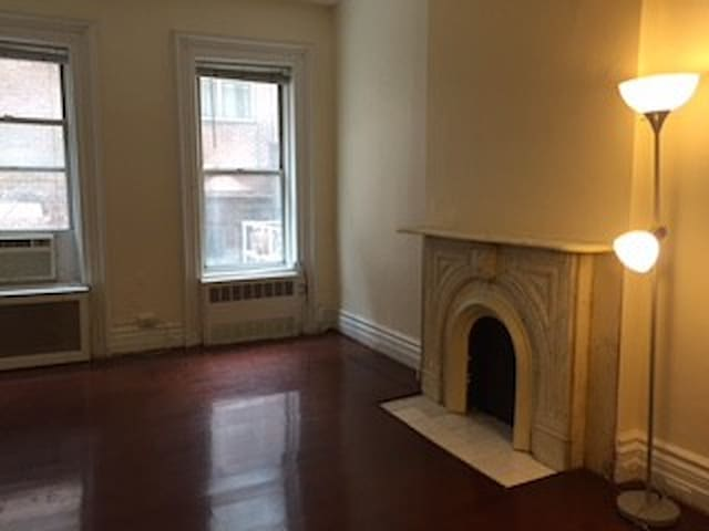 Single Bed A in Sharing Room near Grand Central
