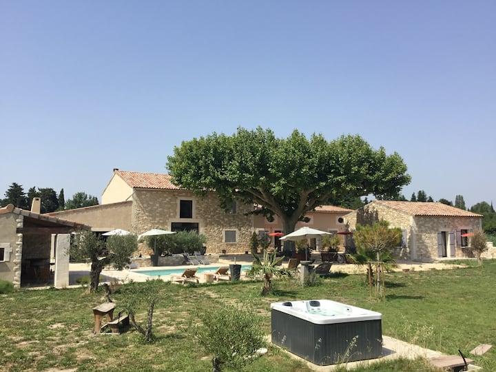 Mas de Nonin St Remy de Provence Abrivado