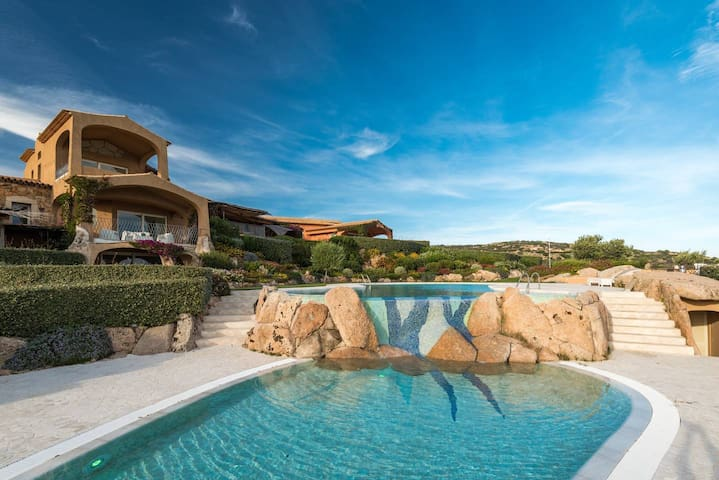 Elegant sea view apartment with pool in Spiaggia Bianca - inside an exclusive complex with pool