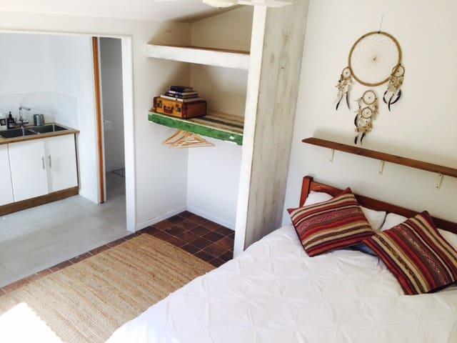Cosy, Quiet and Convenient, Mullumbimby Apartment