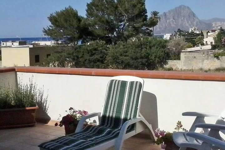 Lovely Cottage 150 meters from the sea for 2/4 pax - Tonnara di Bonagia - 別墅