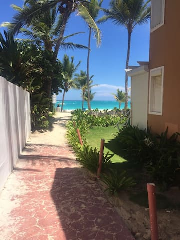 Bedroom 0.1KM from PuntaCana Beach Check this out! - Punta Cana