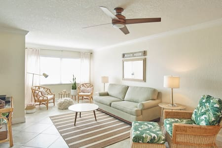 Safe Space: Modern Coastal 2Bed/2Bath Condo