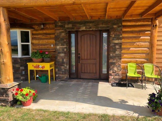 Legacy Lodge guest suite