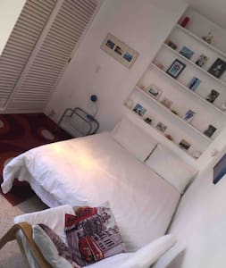 Bright , airy double room . Sitges