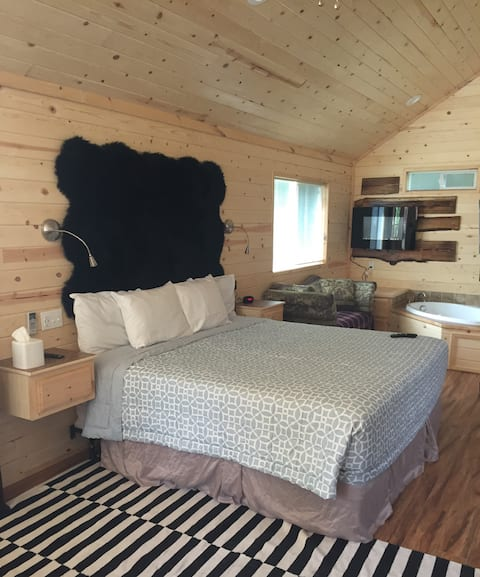 Couples Jacuzzi Cabin