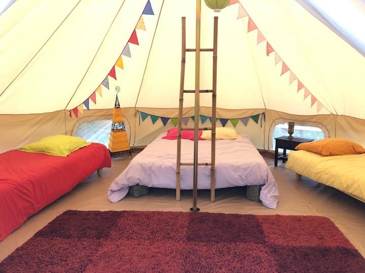Tente orientale au Mas Pinet dans les Cevennes