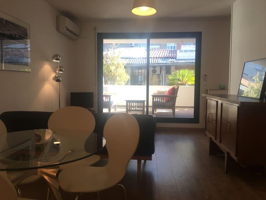 Appartement design 2pi ces et terrasse vieux port for Appartement design marseille