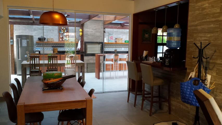 Area gourmet vista da sala