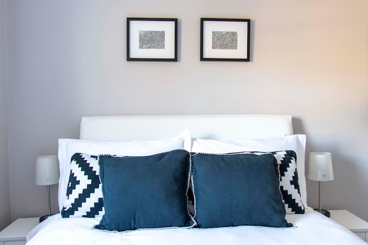 Hayward's Place - Luxury Double En-Suite Room #1