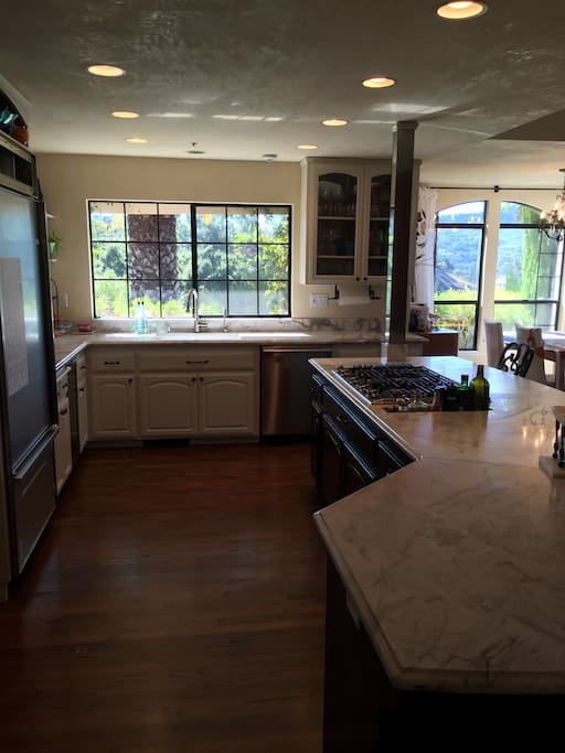 Marble Kitchen with all new appliances: with Professional Dacor Gas Cooktop, SubZero Fridge, Miele Dishwasher, Convection Micro/Oven, Oven, Miele Latte BuiltIn, Keurig, Coffee Maker (we like coffee)