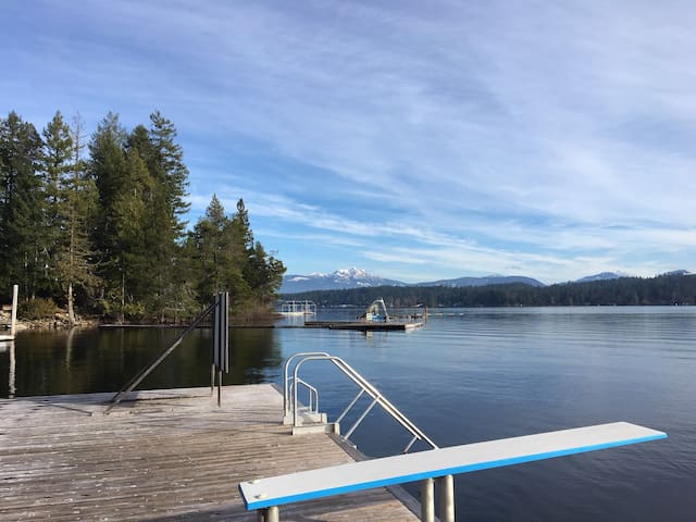 Sproat Lake Waterfront Vacation Rental