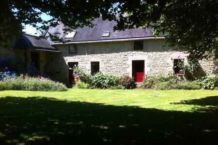 Une maison à la campagne - Locqueltas - Hus