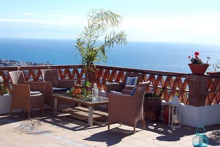 Villa with swimming pool and nature - Velilla-Taramay