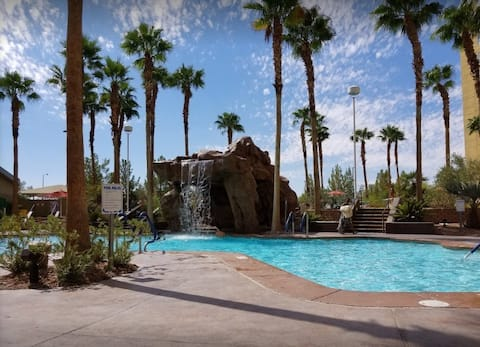 Grandview Las Vegas Condo,  1-BR sleeps 4