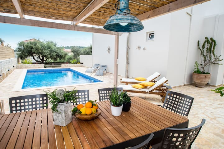 Villa Diktina with Private Swimming Pool