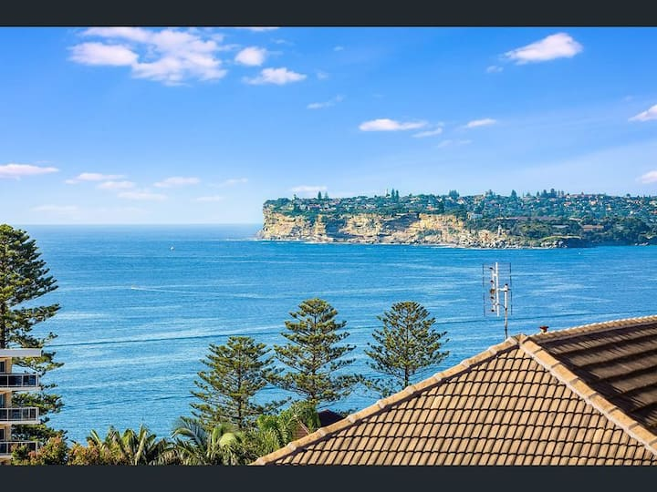 Designer ocean view Manly 2-bedroom apartment