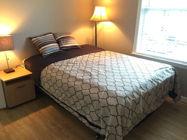 Room with shared bath - Alpharetta - Apartamento