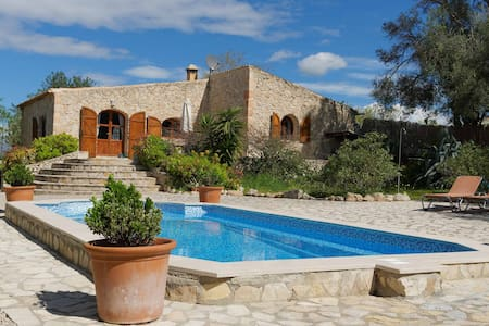 Finca Es Rafal - Urlaub abseits der Touristen - Montuïri - Hus