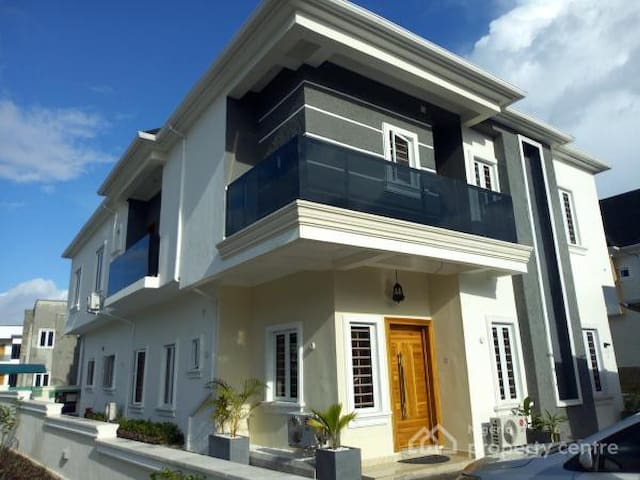 Lekki Luxurious home away from home