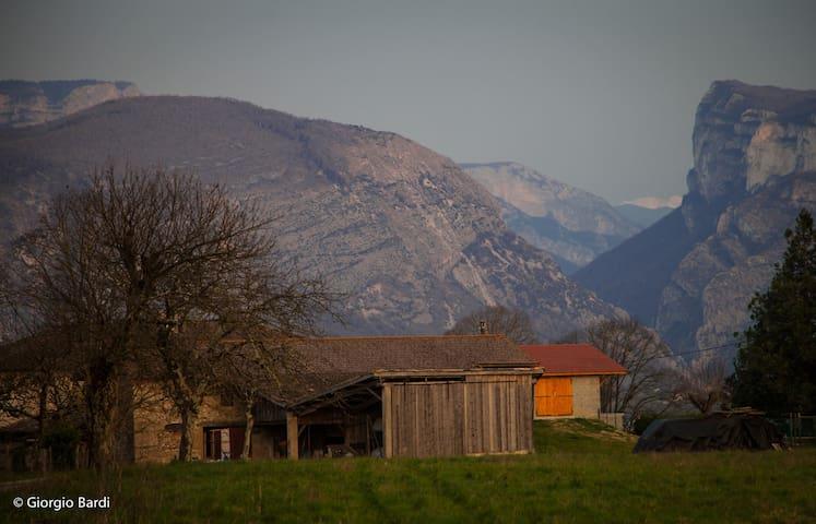 Face au Vercors il y a Grand Maison - Auberives-en-Royans - Talo