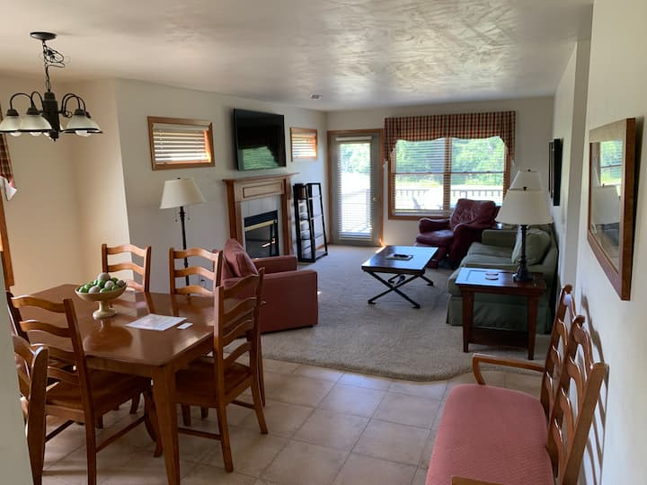 Egg Harbor Townhouse 21-Great Location, 2 Pools!