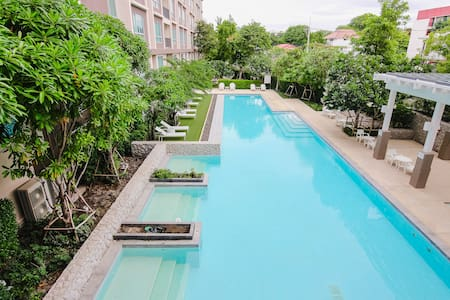 2 Bedroom Beach side condominium - Nong Kae
