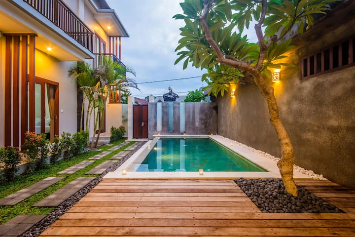 Holiday Stay(Bed&Breakfast) in Central of Seminyak