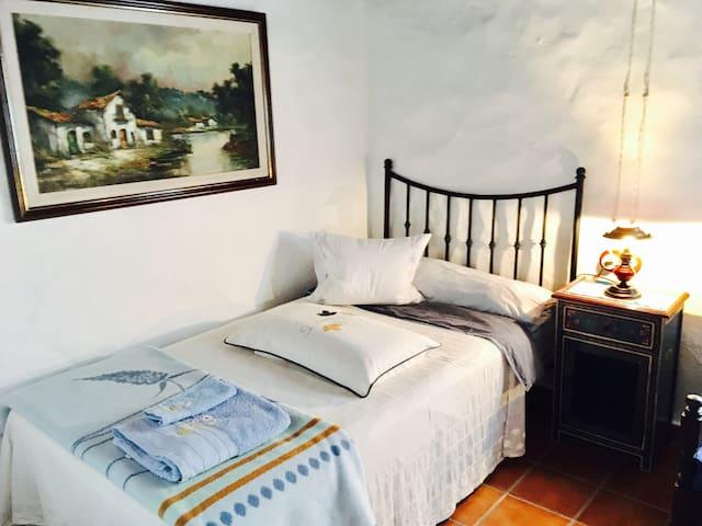 """Folk House """"Casa Los Hinojales"""" - La Tierra del Trigo - Casa"""