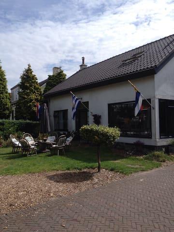 ontspannen verblijf aan de Zeeuwse - Burgh-Haamstede - Bed & Breakfast