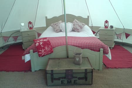 Romantic bell tent in Wales. - Machynlleth  - Zelt