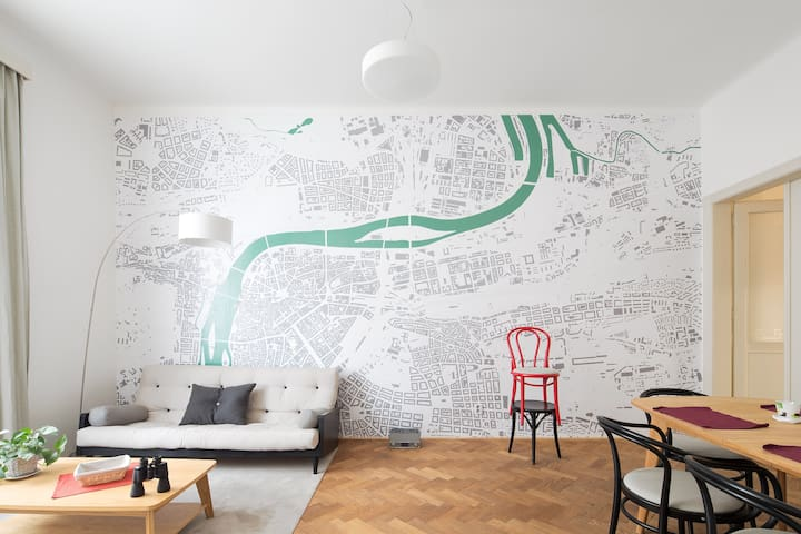 Common room, possible to use as well with a non-pocket map of Prague :)