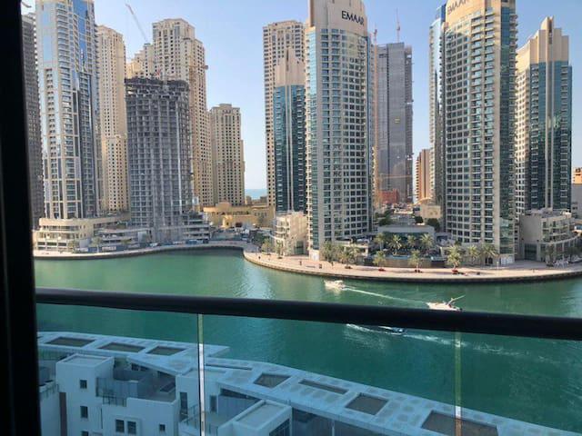 Beautiful & Stunning Marina View Master bed Room