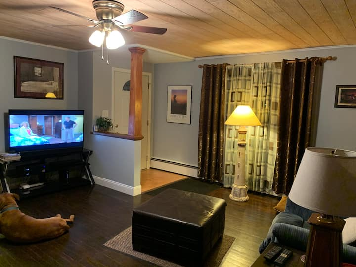 Quiet room for one in the heart of Milford