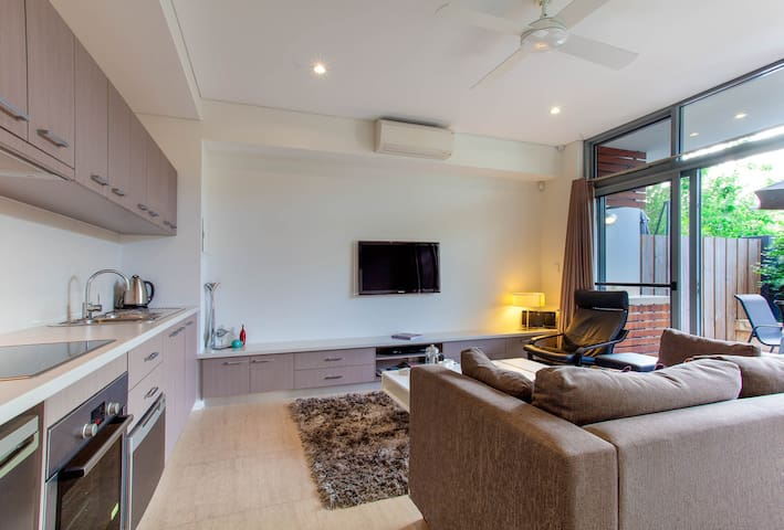 Dunn Bay Apartment 3 - The perfect couples retreat