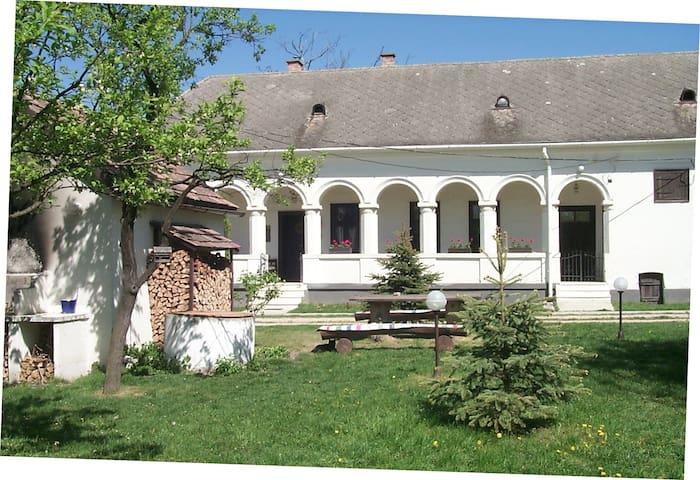 VILLA CARLOTTA - Szilvásvárad - Ferienunterkunft