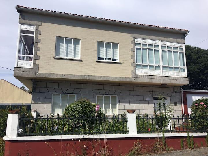 Casa amplian en Villanueva de Arosa- Coron