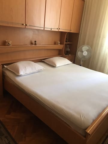 (1) Room in the centre of Split ( 1 double bed )