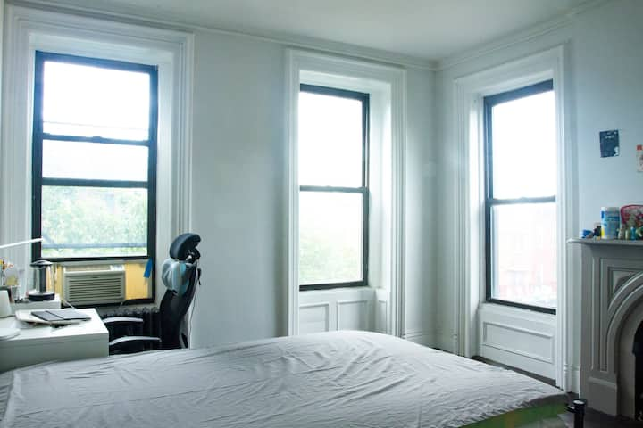 Two private rooms in Clinton hill