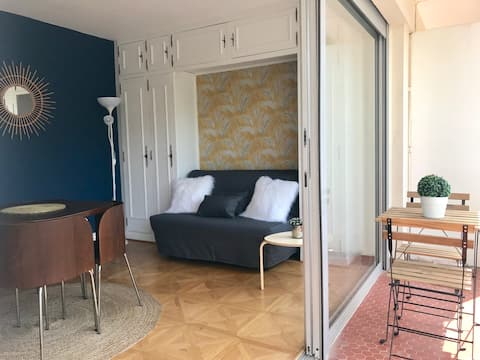 Studio avec balcon et parking quartier St Charles