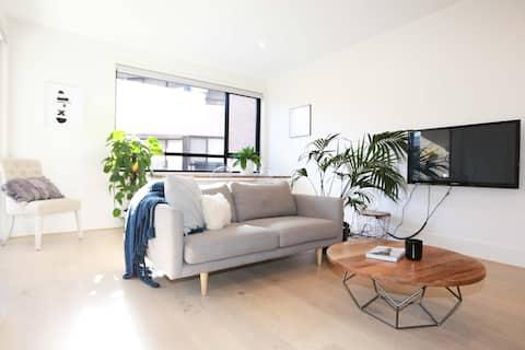 Stylish apartment on the Foreshore