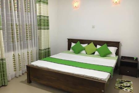 Summer Breeze Residence - Pilimathalawa - Obsługiwany apartament