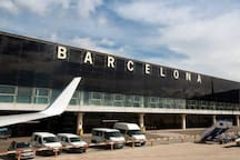 Queen Double bed closed airport bcn