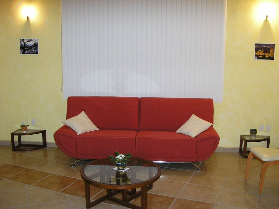 Sofa cama matrimonial para dos personas / Double Sofa Bed for two persons.
