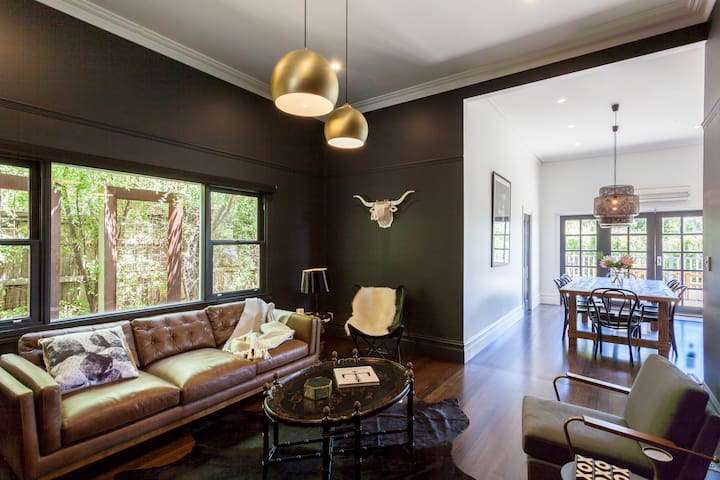 Alchemy House- designer boutique Accommodation - daylesford - House