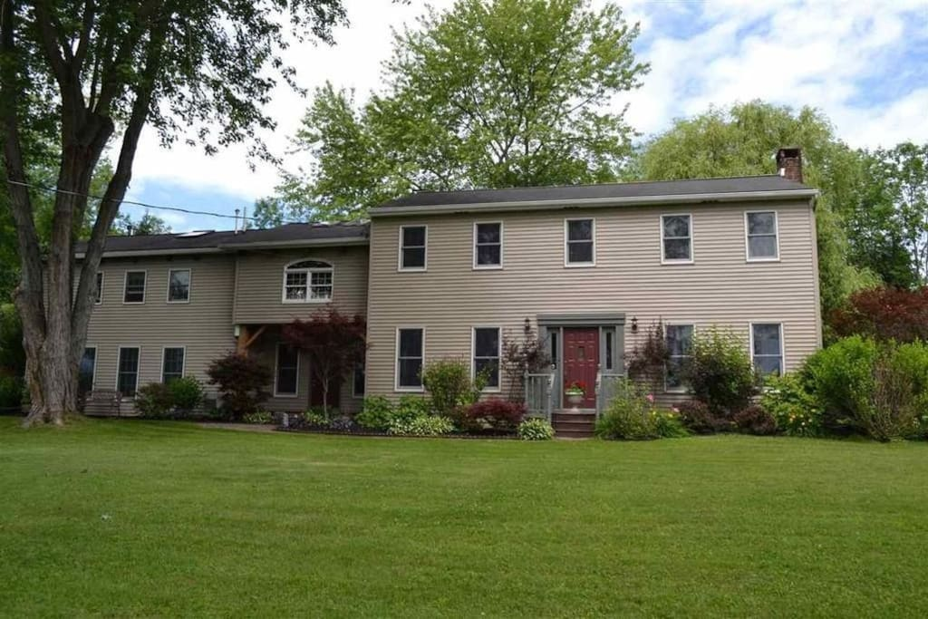 Wonderful country house, just 6 min to the center of Saratoga Springs