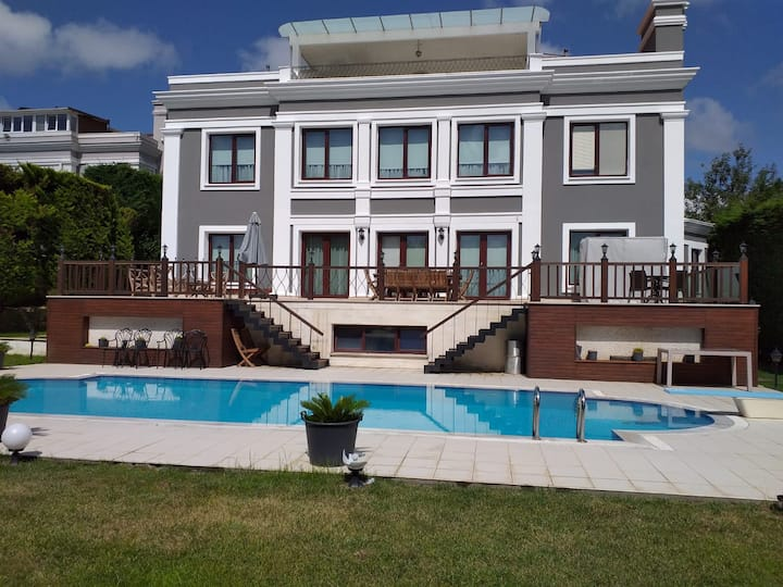 Magnificient Villa! Private Pool! For VIP's
