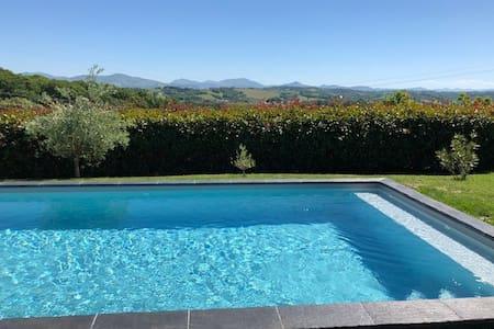 Maison  loft 4* avec terrasse,  jacuzzi et piscine